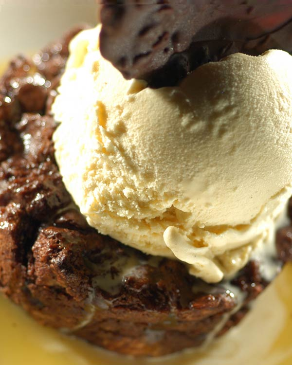 Brownie A la Mode With Vanilla Ice Cream