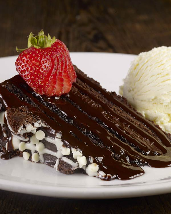 Deccadent Chocolate Cake With Ice Cream